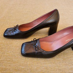 Etienne Aigner black leather heels with bows